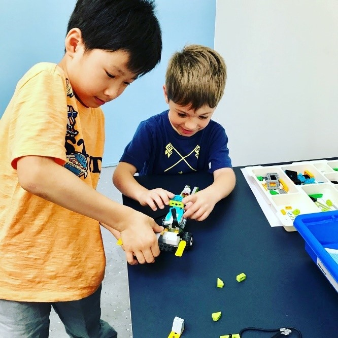 Make Friends & Develop Social Skills At Envision Robotics